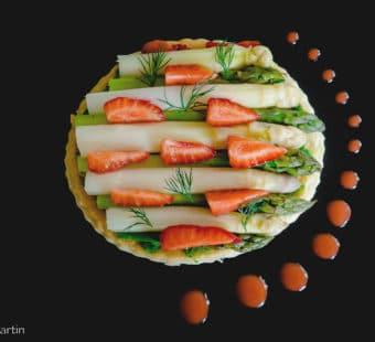 Tarte fine asperges et fraises